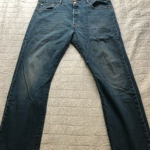 Blue faded Levi 501's 38x32